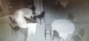 (Özel) Kocaeli'de mahallelinin korkulu rüyası hırsızlar esnafı isyan ettirdi Hırsızlar 4'üncü kez girdikleri kıraathaneden televizyonu çaldı