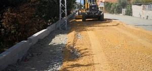 Samandağ'da yol çalışmaları devam ediyor