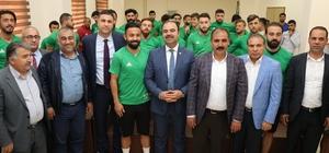 Çiftçi'den  Şanlıurfaspor'a destek ziyareti