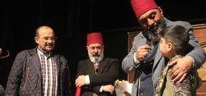 Bitlis'te 'Usta' adlı tiyatro oyunu sahnelendi