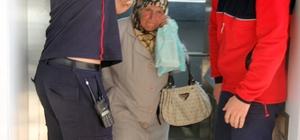 Asansörde mahsur kalan yaşlı kadını itfaiye kurtardı