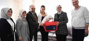 Kartepe'de 2 bin aileye bebek ziyareti