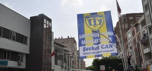 """Başkan Can, ilçeyi Tarsus İdman Yurdu bayraklarıyla donattı Başkan Can: """"Mutlu sona adım adım yaklaşıyoruz"""""""