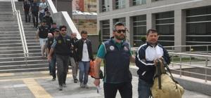 FETÖ'den gözaltına alınan 20 asker adliyeye sevk edildi