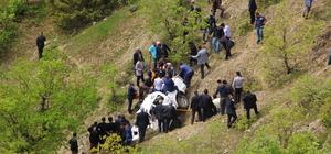 Bitlis'te kamyonet şarampole devrildi: 2 ölü, 3 yaralı