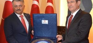 """""""Hiç kimse Türkiye'yi hesaba katmadan at oynatamaz"""""""