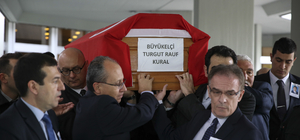 Vefat eden Büyükelçi Kural için tören