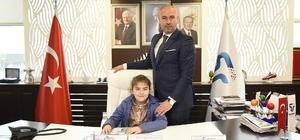 Tekkeköy'e Bilge başkan Tekkeköy'de başkanlık koltuğuna Bilge Bilgiç oturdu