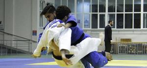 Üniversiteler Arası Türkiye Judo Şampiyonası başladı