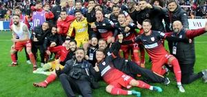 Samsunspor ve Denizlispor 46. randevuya çıkacak Yenilen takım ateş çemberine düşecek