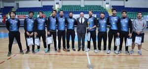 Kütahya'da basketbol turnuvası Gençlik ve Spor Bakanlığı Yüksek Öğrenim Kredi Yurtlar Kurumu tarafından düzenlenen, Kütahya ev sahipliğinde yapılan 32. İller Arası Basketbol Turnuvası sona erdi