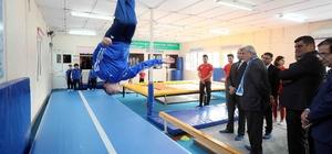 """Başkan Karaosmanoğlu, """"Spor sağlıklı yaşamın en önemli aracıdır"""""""