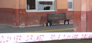 Terminalde şüpheli koli alarmı Karaman Otobüs Terminalindeki şüpheli koli, sahibinin son anda gelmesi üzerine patlatılmaktan kurtuldu