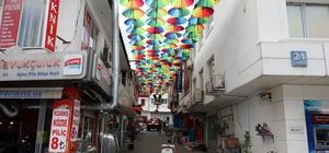 Süsler Sokağın şemsiyeleri yenilendi