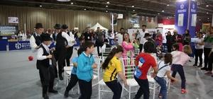 Dünya çocukları geleneksel Türk oyunları ile eğleniyor