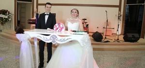 AA muhabiri Usul evlendi