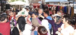Pazarda naylon poşet yerine bez torba Seyhan Belediyesi 2 bin adet bez torba dağıttı