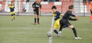 Kayseri U-13 Futbol  Ligi A Grubu Kocasinan Şimşekspor-İncesu Erdemspor: 5-3
