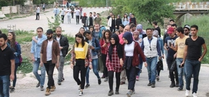 Uşak Üniversitesi öğrencileri Eskigediz'e hayran kaldı