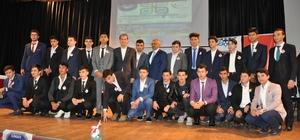 Kur'an bülbülleri Simav'da yarıştı Anadolu İmam Hatip Liseleri Arası 8. Bölge Hafızlık ve Ezan Okuma Yarışmaları'nın finali, Kütahya'nın Simav ilçesinde gerçekleştirildi