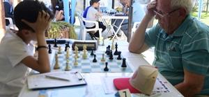 """İncirliova'da 23 Nisan satranç turnuvası İncirliova Belediye Başkanı Gürşat Kale; """"Satrancın merkezi İncirliova olacak"""""""