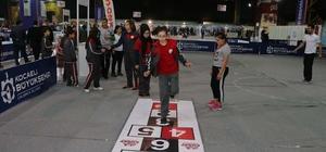 23 Nisan Çocuk Festivali'nde 90'ların oyunları oynandı