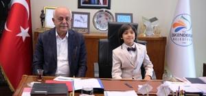 Başkan Seyfi Dingil, koltuğunu Egemen Öz'e devretti