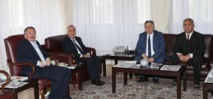 KKTC Milletvekili Dr. Hasan Topal'dan Rektör Çomaklı'ya ziyaret