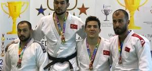 NEÜ'lü öğrenciler judo şampiyonasından derecelerle döndü