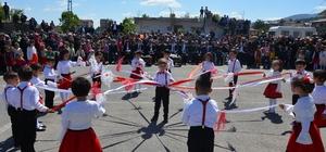 Suşehri'nde 23 Nisan Ulusal Egemenlik ve Çocuk Bayramı