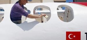 Antalya Havalimanı Dış Hatlar Terminaline 11 metrelik oyuncak uçak Havalimanında çocuklar için kaykay olarak kullanılacak 5 işçinin 20 günde bitirdiği maket uçak havalimanına tır üzerinde götürülecek