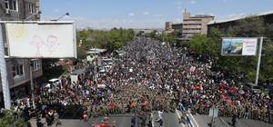 Ermenistan'da Başbakan Sarkisyan'ı istemeyenlerin protestoları sürüyor