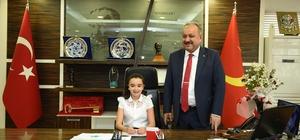 23 Nisan'ın Belediye Başkanı Zeynep Sude oldu