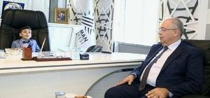 Başkan Kutlu, 23 Nisan'da makamını Salih Alp'e teslim etti