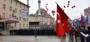 Yüksekova'da 23 bin mektup balonlarla gökyüzüne uçuruldu