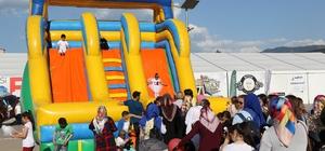 Kent Meydanında çocuklara ücretsiz oyun şöleni