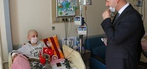 Hastanede 23 Nisan Bayramı sevinci