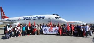 Vanlı öğrenciler İzmir'e uğurlandı