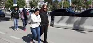 Bolu'da durdurulan çiftin arabasından 8 kilo 30 gram uyuşturucu çıktı Uyuşturucu sevkıyatı yapan çift adliyeye sevk edildi