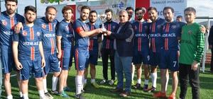 """""""Benim için oyna dostluk kazansın"""" turnuvası sona erdi Turnuvanın şampiyonu Malatya Eğitim ve Araştırma Hastanesi oldu"""