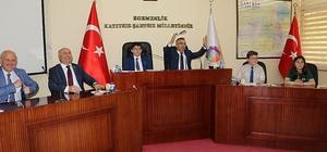 """İl Genel Meclisi olağanüstü toplantısını çocuk üyeler açtı Karabük Valisi Kemal Çeber: """"Benim için de sürpriz oldu"""""""
