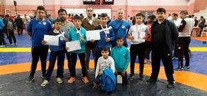 Yunusemreli güreşçilerden büyük başarı