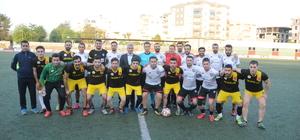 Cizre'de Süper Lig hakemi, halı saha maçını yönetti