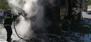 Alev alev yanan tır güçlükle söndürüldü