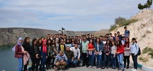 Öğrenciler Atatürk Barajını ve Halfeti'yi gezdi