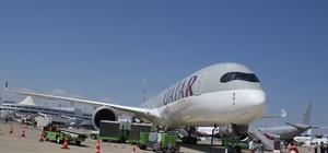 Dünyada sadece bir tane olan dev Katar uçağı kapılarını açtı Türkiye'nin şova dayalı ilk havacılık fuarı Eurasia Airshow'da, dünyada sadece bir adet olan Qatar Airways'e ait Airbus A350-1000 yolcu uçağı ile Türk Hava Yolları'nın kargo uçağı büyük ilgi gördü Fuar kapsamında uçak ve helikopterlerin görsel şovları da ilgiyle izlendi