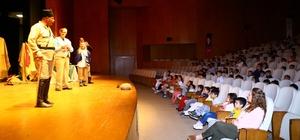 Manavgat Belediyesi'nden çocuklara tiyatro