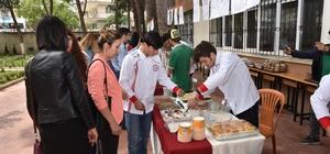 Öğrenciler yemek festivalinde hünerlerini sergiledi