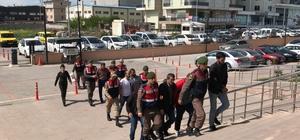Göçmen kaçakçıları yol kontrolünde yakalandı