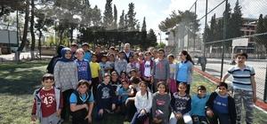 Yunusemre'de okul bahçeleri spor alanına dönüşüyor